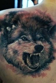 肩部咆哮的狼纹身图案
