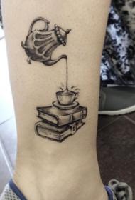 脚裸黑色可爱的3D茶杯纹身图案