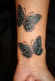 手腕彩色两只蝴蝶纹身图案