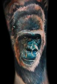 腿部写实彩色大猩猩纹身图案