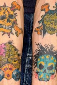 手臂彩色僵尸和骷髅纹身图案
