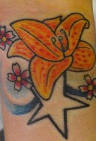 手臂彩色花和星星纹身图案