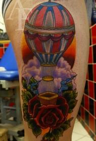 腿部彩色热气球纹身图片