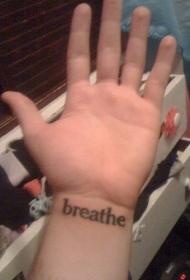 手腕英文字母纹身
