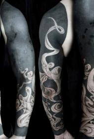 花臂大面积黑色纹身图案