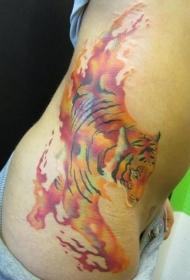 女性腰侧水彩色老虎纹身图案