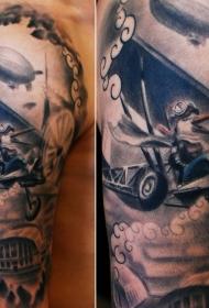 手臂old school彩绘鸟在飞机纹身图案
