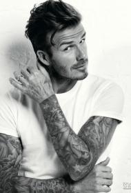 阳光大男人贝克汉姆的花臂纹身图片