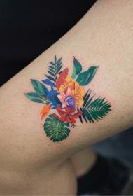 大腿可爱的植物花蕊彩绘纹身图案