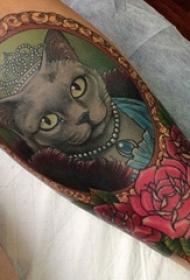 女生手臂上彩绘水彩素描创意可爱猫咪唯美花朵纹身图片