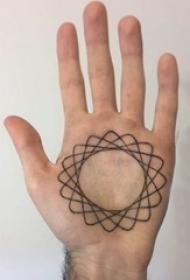 多款手掌上的黑色线条素描经典文艺纹身图案