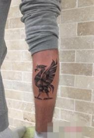 手臂几何动物公鸡纹身图片
