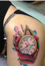 美女臀部时尚精美的钟表纹身图案