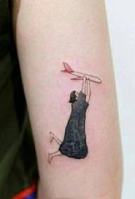 女生手臂上彩绘水彩漫画抽象女生人像纹身图片