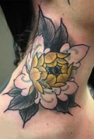 女生脖子上彩绘水彩素描唯美花朵纹身图片