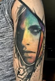 女生手臂上彩绘水彩素描创意女生人物纹身图片