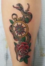 蛇和花朵纹身图案 女生小腿上蛇和花朵纹身图案