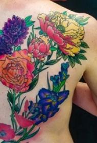 女生后背上彩绘漂亮植物素材花朵纹身图片