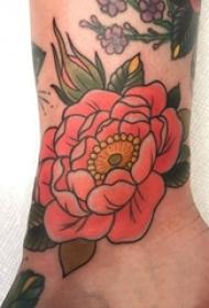 女生脚踝上彩绘渐变简单线条植物文艺花朵纹身图片