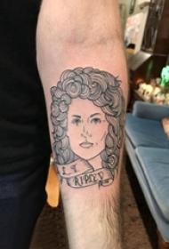 男生手臂上黑色线条文艺唯美人物纹身图片