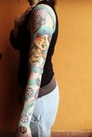 小清新猫咪纹身 女生手臂上小清新猫咪纹身动物图片