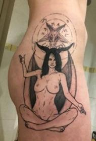 臀部纹身 女生臀部黑色的恶魔纹身图片