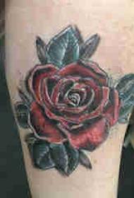 欧美小腿纹身 女生小腿上彩色的玫瑰纹身图片