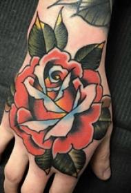 文艺花朵纹身 女生手背上文艺花朵纹身图片