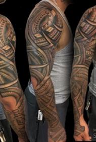 部落图腾纹身 男生手臂上部落图腾纹身图片