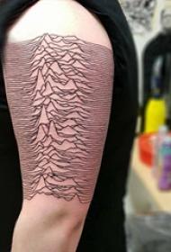 山脉纹身 男生手臂上连绵的山脉纹身图片