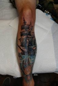 小腿对称纹身 男生小腿上彩色的海盗船纹身图片
