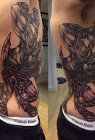 公牛图腾纹身 男生侧肋上公牛图腾纹身图片