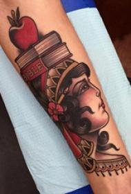 纹身小臂花纹 男生小臂上彩绘的人物肖像纹身图片