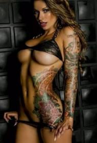 一组性感美女为你展示纹身的诱惑