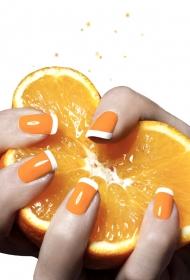 唯美美甲 水果色的指甲