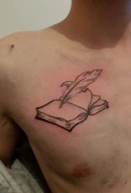 纹身胸部男 男生胸部羽毛笔和书籍纹身图片