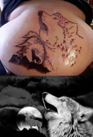 狼纹身  男生后背上黑灰色的狼纹身图片
