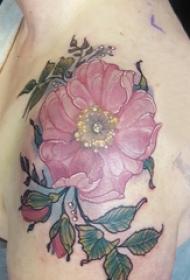 纹身图案花朵  男生肩部唯美的花朵纹身图片