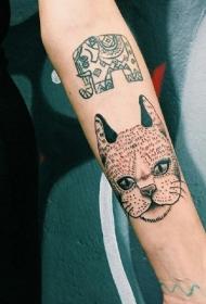 小猫咪纹身  淘气而又灵巧的小猫咪纹身图案