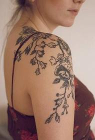 肩部纹身图案   唯美而又个性的肩部纹身图案