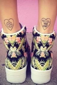 脚后跟上面的的一组成对简约小纹身