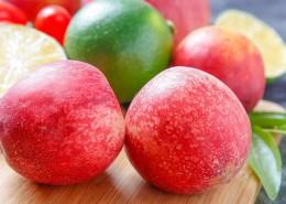放在桌上的新鲜水果图片(14张)