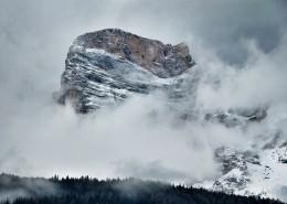 美丽的山区雪景图片(13张)