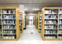 整洁安静的图书馆图片(1