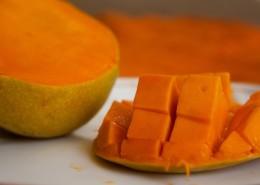 被切开的芒果图片(10张)