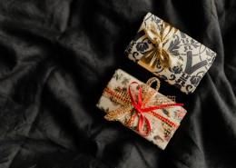 床上的圣诞礼物图片(12张)
