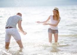 一起旅行玩耍的情侣图片(10张)