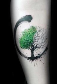 很好看的一组小树纹身图片