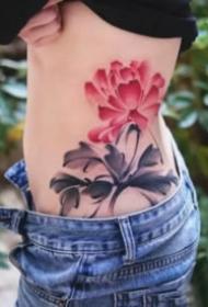莲花主题的一组好看荷花纹身作品