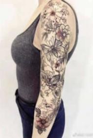 18张男士和女士的大花臂纹身作品图案